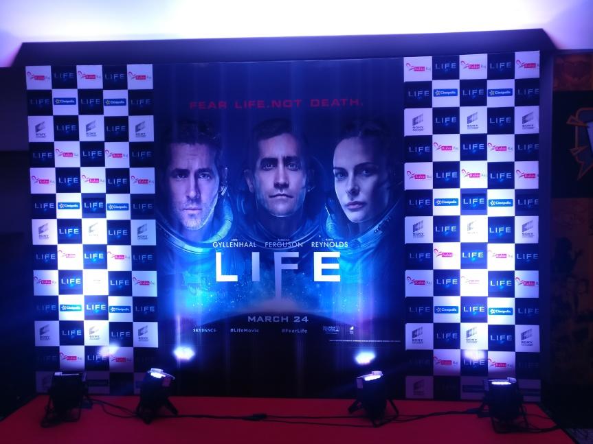 LIFE (2017) – PremierShow
